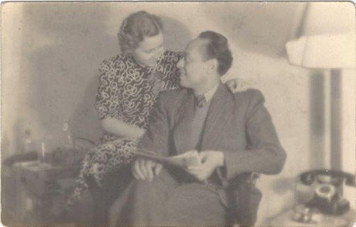 "<p><span style=""font-weight: 400;"">Dr. Mohamed <a href=""/narrative/45338/en"">Helmy</a> and his wife, Emmi Ernst. During the Nazi era, they were forbidden from marrying because Dr. Helmy was not an Aryan. They were finally able to marry after the end of World War II. </span></p>"