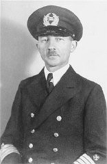 """<p>Gustav Schroeder, captain of the <a href=""""/narrative/4719/en""""><em>St. Louis</em></a>, on the day of the ship's departure from Hamburg. Neither Cuba nor the US granted refuge to the ship's passengers. Germany, May 13, 1939.</p>"""