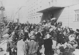 <p>Deportation of Jews from Skopje, Yugoslavia, March 1943.</p>
