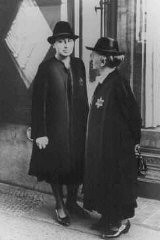"<p>Two German Jewish women wearing the compulsory <a href=""/narrative/11750/en"">Jewish badge</a>. Germany, September 27, 1941.</p>"