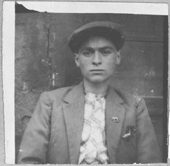 """<p>Portrait of Solomon Kalderon, son of Bohor Kalderon. He was a tailor and lived at Karagoryeva 67 in Bitola.</p> <p>This photograph was one of the individual and family portraits of members of the Jewish community of<a href=""""/narrative/9092/en"""">Bitola</a>, Macedonia, used by<a href=""""/narrative/5955/en"""">Bulgarian occupation authorities</a>to register the Jewish population prior to its deportation in March 1943.</p>"""