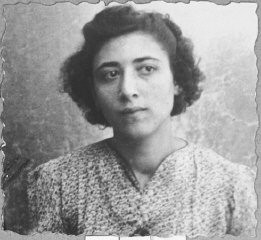 """<p>Portrait of Palomba Kalderon, daughter of Mushon Kalderon. She was a student and lived at Dalmatinska 65 in Bitola.</p> <p>This photograph was one of the individual and family portraits of members of the Jewish community of<a href=""""/narrative/9092/en"""">Bitola</a>, Macedonia, used by<a href=""""/narrative/5955/en"""">Bulgarian occupation authorities</a>to register the Jewish population prior to its deportation in March 1943.</p>"""