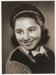 <p>Portrait of Stella Nahmiyas in her school cap. Bitola, ca. 1940.</p>