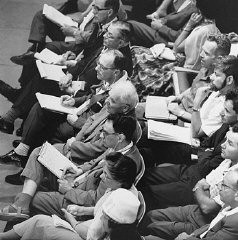 "<p>Many journalists covered the <a href=""/narrative/3359/en"">trial of Adolf Eichmann</a> in Jerusalem. May 30, 1961.</p>"
