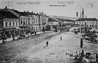 <p>Prewar view of the main market square in the Transylvanian town of Sighet, Romania.</p>