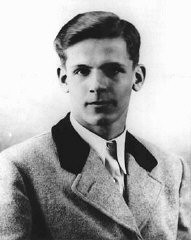 """<p>Christoph Probst, a member of the <a href=""""/narrative/10213/en"""">White Rose</a> student opposition group. Probst, arrested and condemned to death by the People's Court, was executed on February 22, 1943.</p>"""