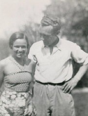 """<p><a href=""""/narrative/10415/en"""">Thomas Buergenthal</a>'s parents, Mundek and Gerda (b. 1912). Czechoslovakia, 1933 or 1934.</p> <p>With the end of World War II and collapse of the Nazi regime, survivors of the Holocaust faced the daunting task of <a href=""""/narrative/10475/en"""">rebuilding their lives</a>. With little in the way of financial resources and few, if any, surviving family members, most eventually emigrated from Europe to start their lives again. Between 1945 and 1952, more than 80,000 Holocaust survivors immigrated to the United States. Thomas was one of them.</p>"""