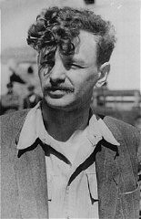"""<p>Yitzhak (Antek) Zuckerman, Zionist youth leader and a founder of the Jewish Fighting Organization (ZOB). He fought in the <a href=""""/narrative/3636/en"""">Warsaw ghetto uprising</a>. Place and date uncertain.</p>"""