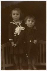 "<p>Prewar studio portrait in <a href=""/narrative/11710/en"">Sighet</a> of Jewish siblings Suri and Ari Deutsch, both of whom died in the <a href=""/narrative/72/en"">Holocaust</a>. This photograph comes from the album of their cousin, Rosalia Dratler Roiter. Rosalia was deported to and died at <a href=""/narrative/3673/en"">Auschwitz</a>. Sighet, Romania, 1937.</p>"