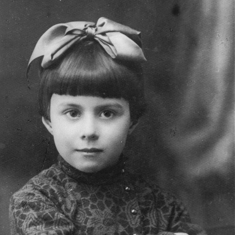"<p>1935 portrait of three-year-old Anna Glinberg, a Jewish child. She was later killed during the mass execution at <a href=""/narrative/5337/en"">Babi Yar</a>.</p>"