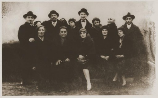 <p>Prewar family portrait of members of the Danishevska family in Vilna, Lithuania, 1926–27. None of those pictured here survived the Holocaust. </p>