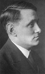 <p>A 1915 portrait of Willem Arondeus. During World War II, Arondeus, a homosexual member of the Dutch resistance, participated in an attack on the Amsterdam Population Registry offices. His group set fire to several thousand files in an attempt to destroy government records of Jews and others sought by the Nazis. Soon after the attack, his unit was betrayed. The Nazis arrested and executed Arondeus in 1943. Blaricum, the Netherlands, 1915.</p>