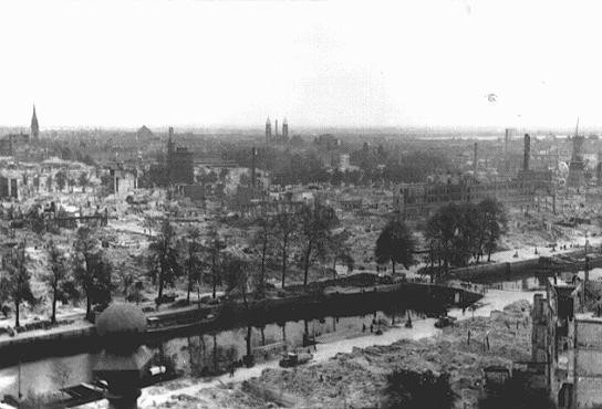 View of Rotterdam after German bombing in May 1940. [LCID: 51418]