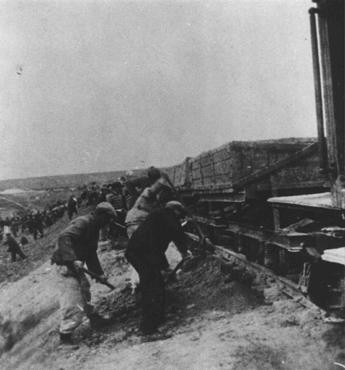 "<p>Prisoners of the Stupki forced-labor camp for Jews in the <a href=""/narrative/4879/en"">Generalgouvernement</a>. Stupki, Poland, 1941–42.</p>"
