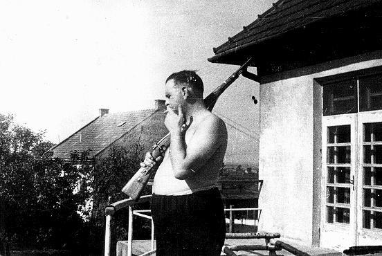 """<p>Amon Goeth, commandant of the<a href=""""/narrative/4880/en"""">Płaszów</a>camp. Płaszów, Poland, between February 1943 and September 1944.</p>"""