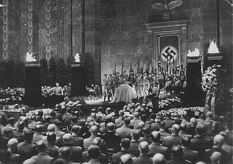 <p>State funeral for Nazi district leader Carl Roever. Alfred Rosenberg delivers the funeral oration. Berlin, Germany, May 22, 1942.</p>