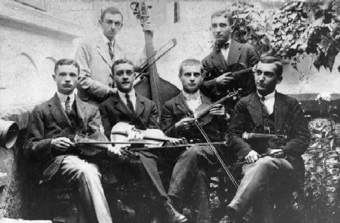 String ensemble of young men of Sephardic families, 1920s.