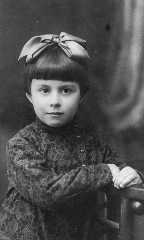 1935 portrait of three-year-old Anna Glinberg, a Jewish child, who was later killed during the mass execution at Babi Yar. [LCID: 03261]