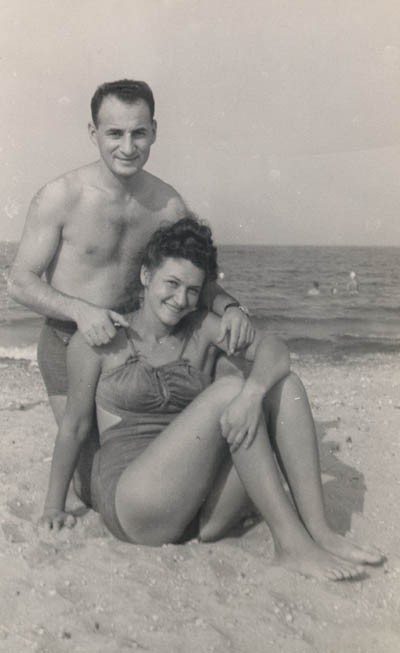 <p>Lisa and Aron at Lake Michigan, ca. 1947-1949.</p>