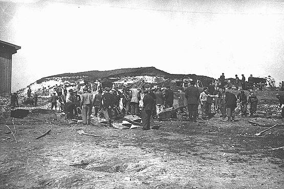 <p>Jewish prisoners at forced labor in the Plaszow camp. Plaszow, Poland, 1943-1944.</p>