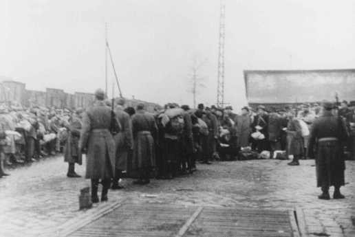 Deportation of Jews from the Jozsefvarosi train station in Budapest. [LCID: 74019]