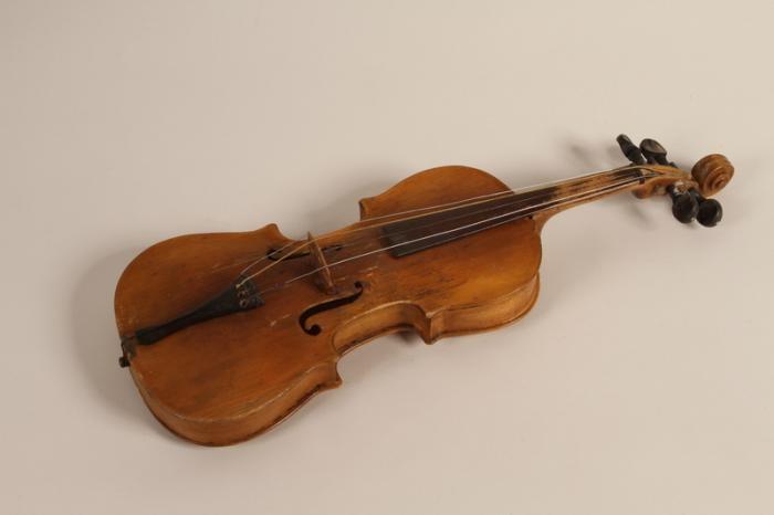 Boruch Golden's violin
