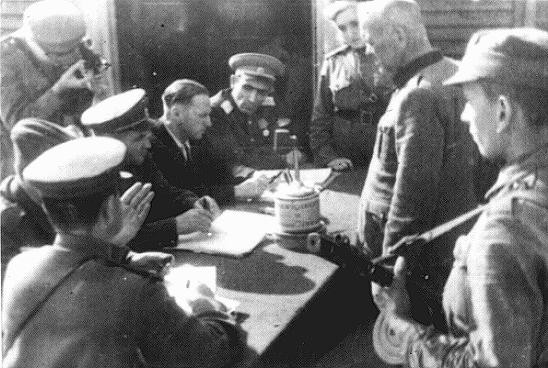 Interrogation of SS Lieutenant Colonel Anton Thernes by the Special Penal Court of Lublin for Nazi crimes conducted in the Majdanek ... [LCID: 50595]