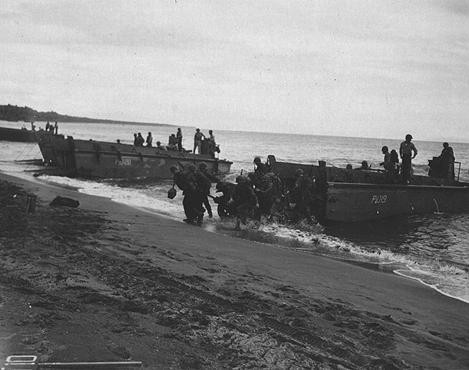 US troops land on Guadalcanal, in the Solomon Islands group. [LCID: 20340]