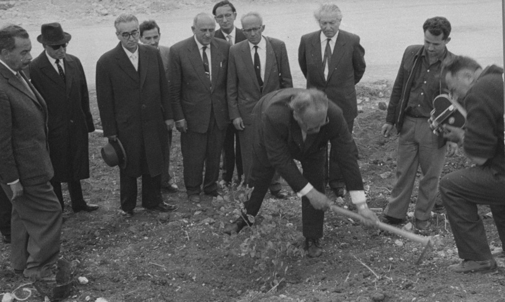 "<p>In Yad Vashem, the Israeli national institution of Holocaust commemoration, <a href=""/narrative/7526/en"">Oskar Schindler</a> plants a tree in honor of his rescue efforts. Jerusalem, Israel, 1962.</p>"