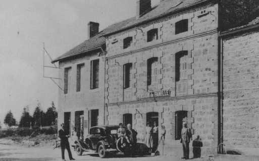 Postcard of a pension in Le Chambon which served as a refugee home for children sheltered from the Nazis. [LCID: 86054]