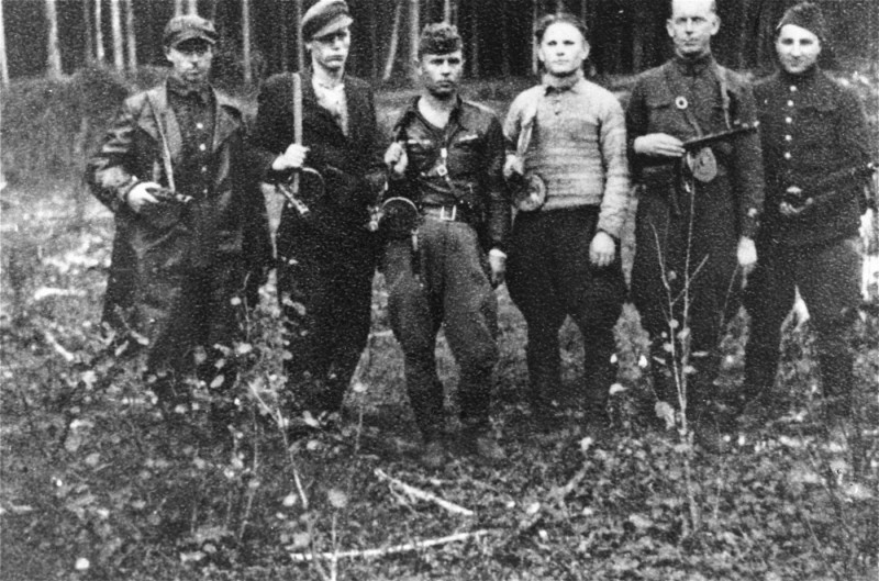 "<p>A group of Jewish <a href=""/narrative/5679"">partisans</a> in the Rudniki forest, near <a href=""/narrative/3169"">Vilna</a>, between 1942 and 1944.</p>"