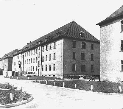 "<p>Barracks in the Ebelsberg camp for Jewish <a href=""/narrative/6365/en"">displaced persons</a>. Ebelsberg, Austria, July 1947.</p>"