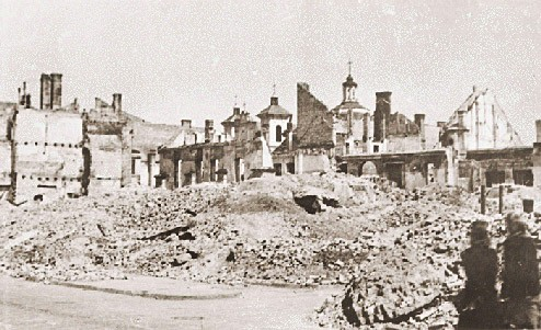 <p>View of the Vilna ghetto after its destruction. Ca. 1944.</p>