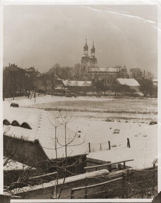 <p>View of Zbaszyn, the site of a refugee camp for Jews of Polish nationality who were expelled from Germany.  The Jewish refugees, hungry and cold, were stranded on the border, denied admission into Poland after their explusion from Germany. Photograph taken between October 28, 1939, and August 1939. </p>