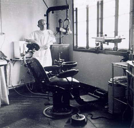 "<p>Dr. Heinrich Mannes, a refugee dentist in <a href=""/narrative/9660"">Shanghai</a>.</p>"
