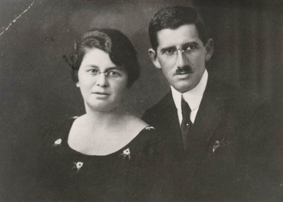 Regina's parents, Pola and Isak. Poland, ca. 1934. [LCID: gelb7]
