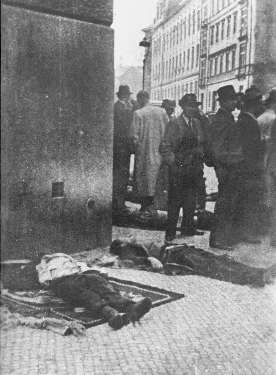 "<p>The bodies of SS General <a href=""/narrative/10812/en"">Reinhard Heydrich</a>'s assassins and five other operatives were displayed in front of the Carlo Boromeo Church (now the St. Cyril and Methodius Church).</p>