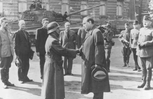 <p>Ferenc Szalasi (center, right), leader of the Hungarian Arrow Cross Party. Budapest, Hungary, October 16, 1944.</p>