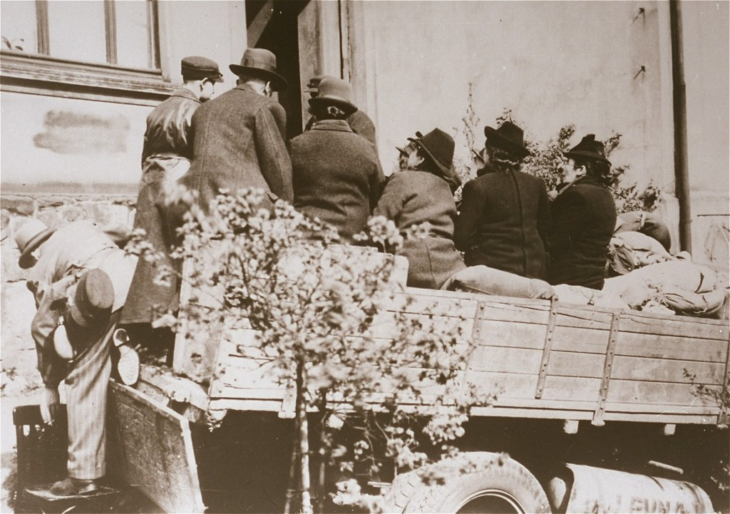 Deportation of the last Jewish inhabitants of Hohenlimburg. [LCID: 77898]