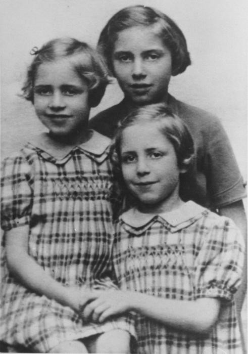 Ten-year-old Marcelle Burakowski Bock with her eight-year-old twin sisters, Berthe and Jenny.