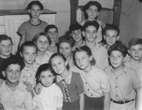 <p>Jewish orphans in a displaced persons center in the Allied occupation zone. Lindenfels, Germany, October 16, 1947.</p>