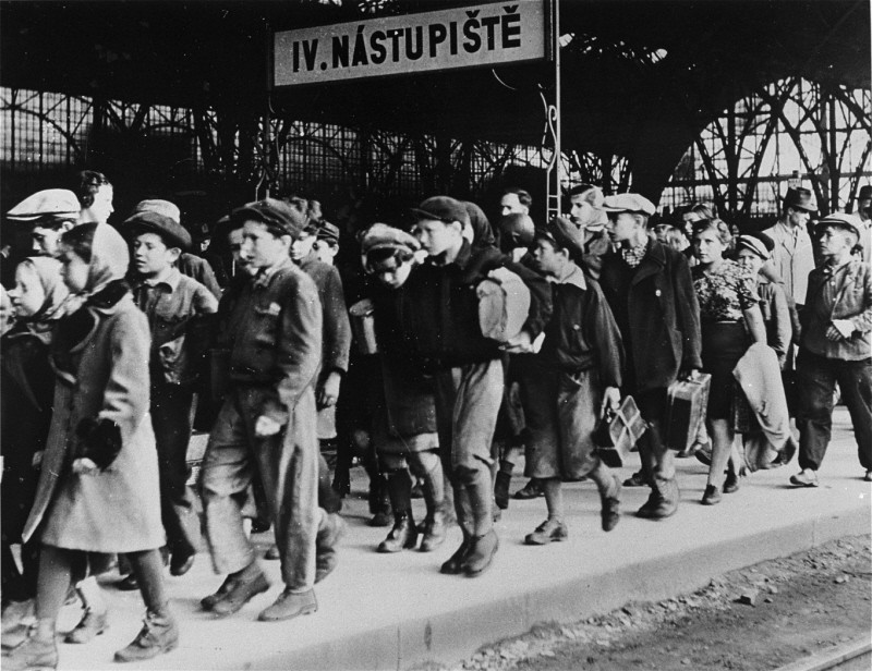 A transport of 200 Jewish children, fleeing postwar antisemitic violence in Poland, arrives at the Prague railroad station. [LCID: 31196]