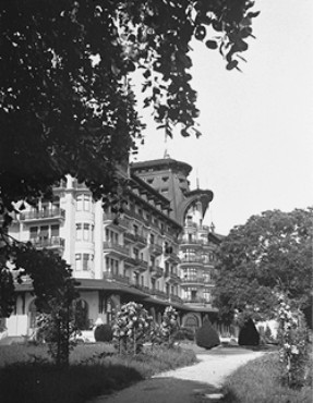 The Hotel Royal, site of the Evian Conference on Jewish refugees from Nazi Germany. [LCID: 62121]