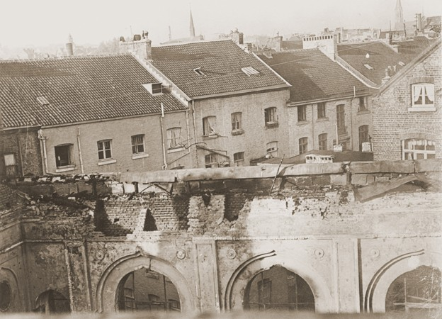 View of the old synagogue in Aachen after its destruction on Kristallnacht. [LCID: 38041]