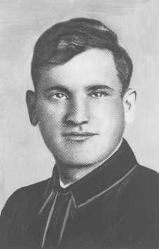 "<p>Portrait of Asael Bielski, a founder of the <a href=""/narrative/11060"">Bielski brothers</a>' Jewish partisan unit in Naliboki forest. He was killed on the Soviet front in 1944. Novogrudok, Poland, before 1941.</p>"