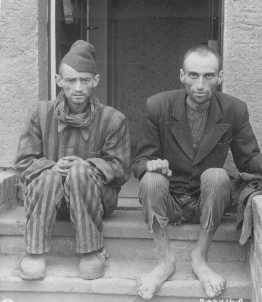 Survivors of the Dora-Mittelbau concentration camp, located near Nordhausen. [LCID: 74589a]