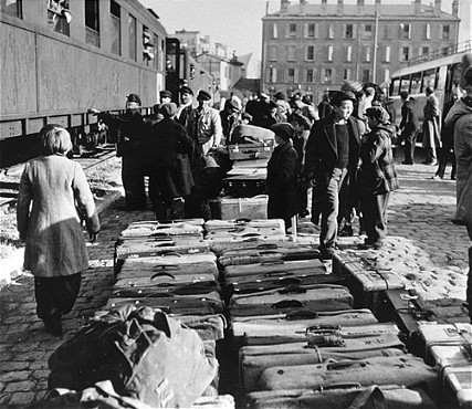 "<p>Jewish orphans arrive at the Marseille railroad station, en route to Palestine as part of postwar <a href=""/narrative/5217/en"">Brihah</a> movement. Marseille, France, March 25, 1948.</p>"