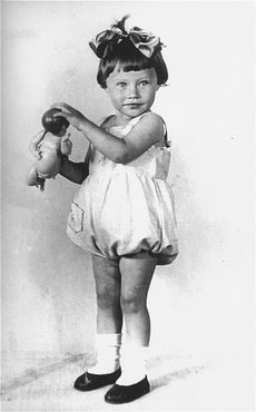 1936 portrait of two-year-old Mania Halef, a Jewish child, who was later killed during the mass execution at Babi Yar. [LCID: 03256]