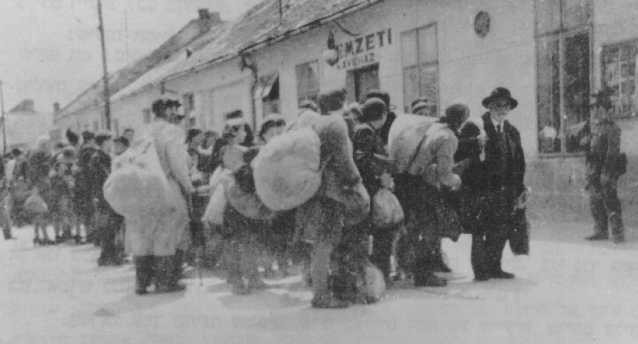 <p>Scene during the deportation of Jews from Dunaszerdahely, in the part of Czechoslovakia ceded to Hungary in 1938. Photograph taken in 1944.</p>