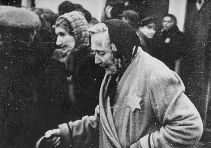 An elderly Jewish woman wears the compulsory yellow badge in the Riga ghetto. [LCID: 72118]